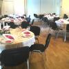 2018-Grumstrup-Forsamlingshus-borddækning-runde-borde-til-80-personer